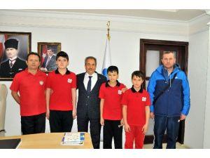 Akşehir'de Halter Ve Boks Şampiyonları Yetişiyor