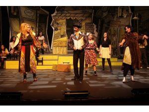'Tersine Dünya' İsimli Tiyatro Oyununun Biletleri Satışta