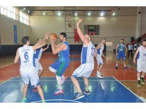 Nilüfer Belediyespor Basketbolda İddiasını Sürdürüyor