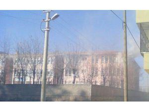 Teröristler İdil'de Okul Yaktı