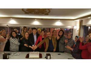 AK Kadınlar 1. Yılını Kutladı