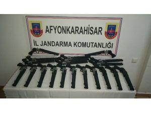 Afyonkarahisar'da 20 Adet Ruhsatsız Av Tüfeği Ele Geçirildi