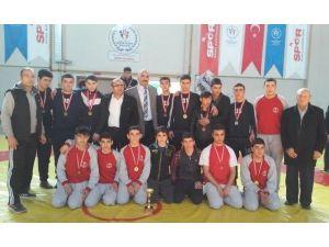 Yeşilyurt Belediyespor Güreş Takımı, İl Şampiyonası'nı Birinci Tamamladı