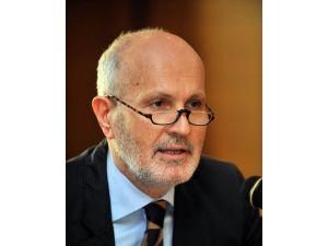 """Prof. Dr. Mensur Akgün: """"Rusya'nın Suriye'deki Amacı Petrol Fiyatını Arttırmak Değil"""""""