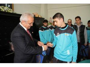 Özel Sporculardan Başkan Başsoy'a Ziyaret