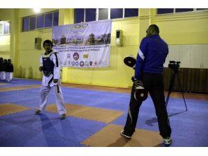 Terörden Kaçan Küçük Ömer'in Şampiyonluğa Uzanan Öyküsü