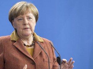 Merkel: Suriye'de uçuşa yasak bölge yararlı olacaktır