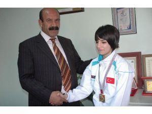 Güreş'te Türkiye Birinciliği Derecesi