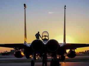 ABD, Güney Kore'ye F-22 raptor avcı uçakları gönderecek