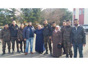 Mardin'li annelerden Özel Hareket polislerine yemek ikramı