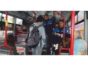 Polis'ten Halk Otobüsünde Dolandırıcılık Uyarısı