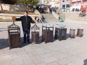 Osmanlı Ve Selçuklu Motifli Çöp Kafesleri Dikkat Çekiyor