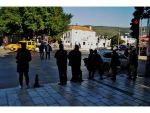 Bodrum'da Vatandaş Trafik Kurallarına Aldırmıyor