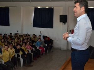 Altınordu'nun Teknik Direktöründen Miniklere Futbol Dersi