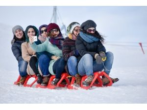Zigana Kayak Merkezi'nde Yüzler Gülüyor