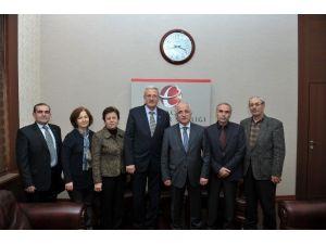 Karaçay Balkar Kültür Ve Yardımlaşma Derneği Üyelerinden Vali Tuna'ya Ziyaret
