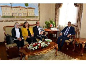 Antalya Yörükleri Vali Türker'i Ziyaret Etti