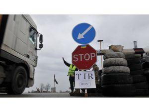 Rusya, Ukrayna'dan çıkan tüm TIR'lara transit geçişi yasakladı