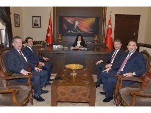 Antalya Ticaret Borsası Başkanından Vali Civelek'e Ziyaret