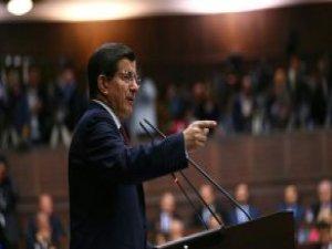 Davutoğlu, Parti Grubunda Deniz Baykal'ı Övdü
