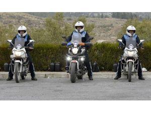 Büyükşehir Zabıtasına İleri Ve Güvenli Sürüş Eğitimi Verildi