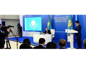 Nazarbayev: Küresel kriz uzun süre daha devam edecek