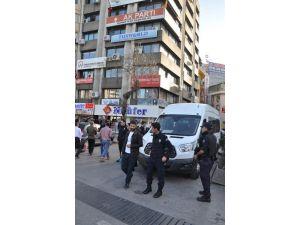 AK Parti'de silahlı tehdit iddiası