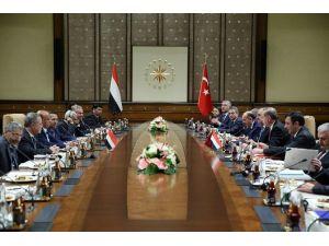 Yemen Cumhurbaşkanı Mansur Hadi Cumhurbaşkanlığı Külliyesi'nde