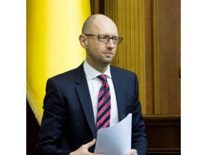 Ukrayna Parlamentosu hükümeti düşüremedi