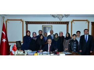 Umre Harçlıkları İle Bayır-bucak Türkmenlerine Bağışladılar