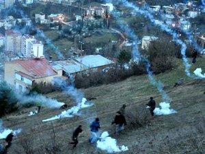 Cerattepe'de Yol Kapatıp Nöbet Tutan Binlerce Kişiye Gazlı Müdahale