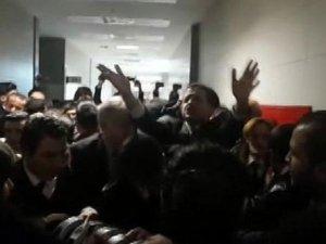 Dilek Doğan davası öncesi Adliye önünde polis müdahalesi