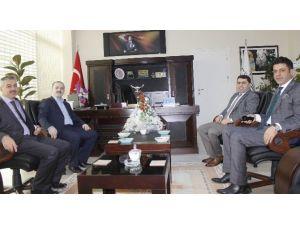 Tuşba Belediye Başkan'ı Özgökçe, Milli Eğitim Müdürlüğü'nü Ziyaret Etti