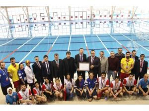 SDÜ Yüzme Havuzuna Temiz Havuz Sertifikası