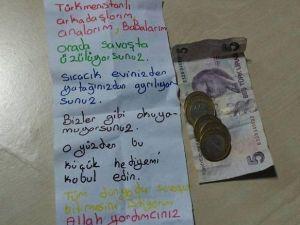 Elanur, Harçlığını Bayır Bucak Türkmenlerine Gönderdi