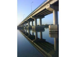 IŞİD, PYD'nin ilerleyişini durdurmak için Karakozak Köprüsü'nü patlattı