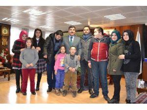 Engelli Öğrencilerden Başkan Asya'ya Ziyaret
