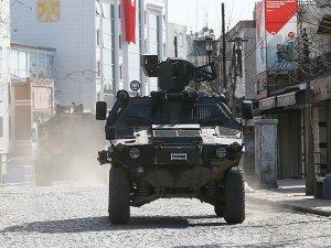 Sur'da ağır yaralanan asker şehit düştü