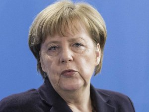 Almanya Başbakanı Merkel: Suriye'de uçuşa yasak bölge tartışılabilir
