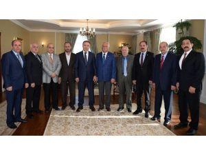 Vali Altıparmak, Kızılay'ın Yeni Yönetimini Kabul Etti