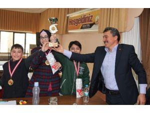Seydişehir'li Öğrenciler Bilgileri İle Yarıştı