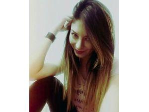 Genç Kız Kaza Yaptığı Otomobilde Öldü