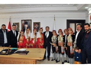 Halk Oyunları Ekibinden Başkan Akkaya'ya Ziyaret