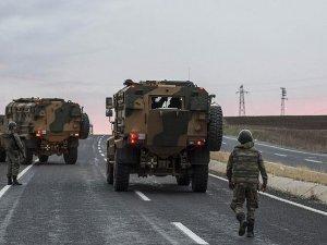 Diyarbakır'da askeri aracın geçişi sırasında patlama: 6 şehit