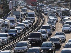 Trafiğe ayda ortalama 100 bin taşıt kaydedildi