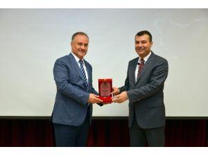 """Türkiye'de Kamu Denetçiliği Kurumu Ve Uygulamaları: """"Ombudsmanlık"""""""