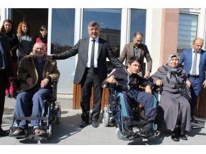 Belediyeden tekerlekli sandalye