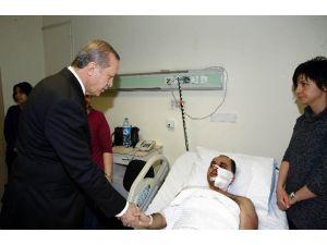 Cumhurbaşkanı Erdoğan, GATA'da Tedavi Altına Yaralıları Ziyaret Etti
