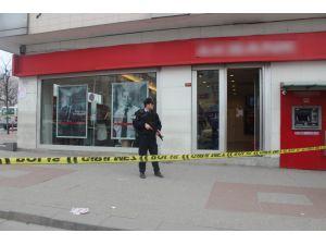 Üzerimde bomba var deyip banka soydu