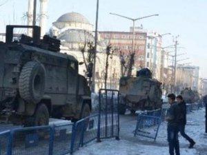 Hakkari'ye askeri sevkiyat